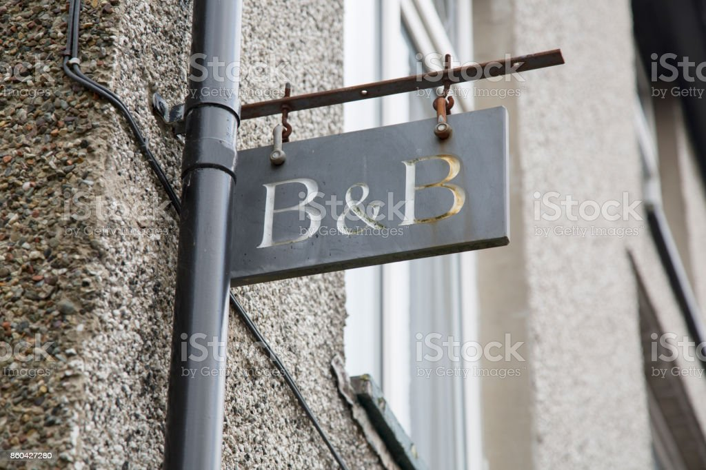 Bed and Breakfast Accommodation Sign - foto stock