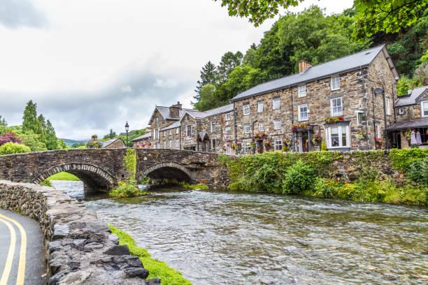 Beddgelert stad in Snowdonia NP, Wales, Verenigd Koninkrijk foto