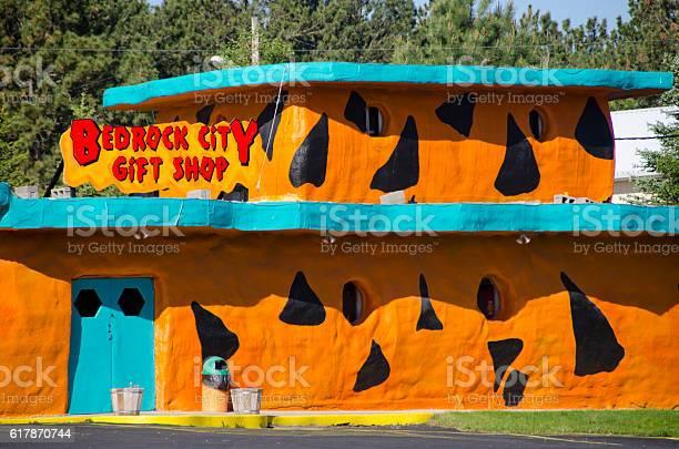 Bedrock city gift shop picture id617870744?b=1&k=6&m=617870744&s=612x612&h=y9 0gik4aytxylbszvy rxvskrbzirakuottoikzs3k=