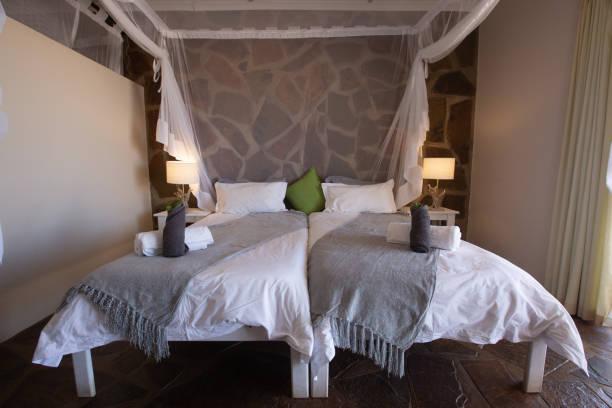 Schlafzimmer in einer Lodge in Namibia – Foto