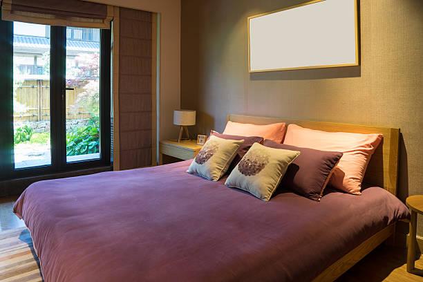 schlafzimmer mit - jeff wood stock-fotos und bilder