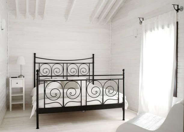 schlafzimmer mit  - cottage schlafzimmer stock-fotos und bilder