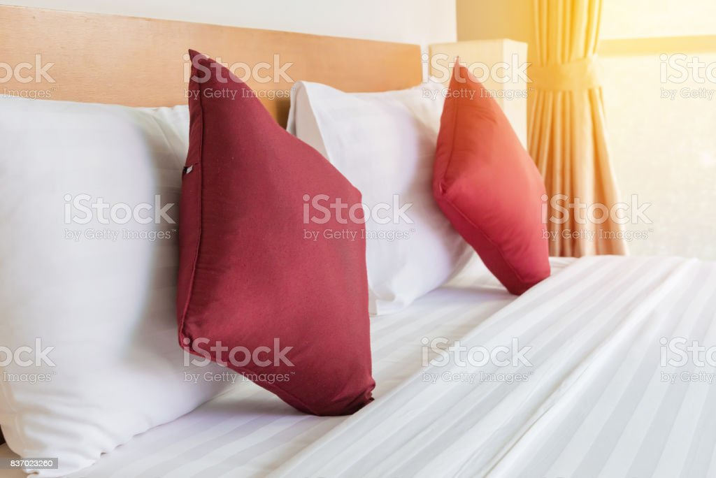 Bedroom with bed and pillow for relaxation - foto stock