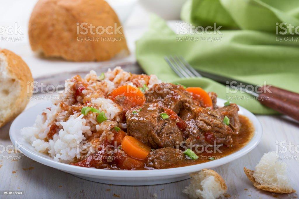 Caçarola de carne e vegetais - foto de acervo