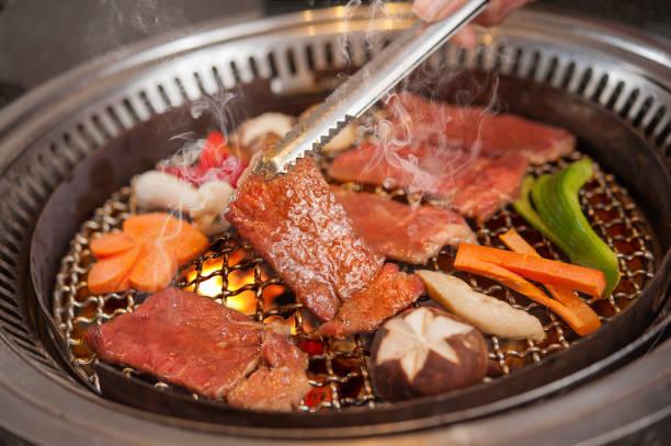 牛肉バーベキュー日本 - 朝鮮半島 ストックフォトと画像