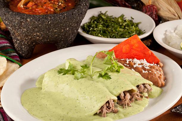 Pollo o carne de res, Enchiladas de México - foto de stock