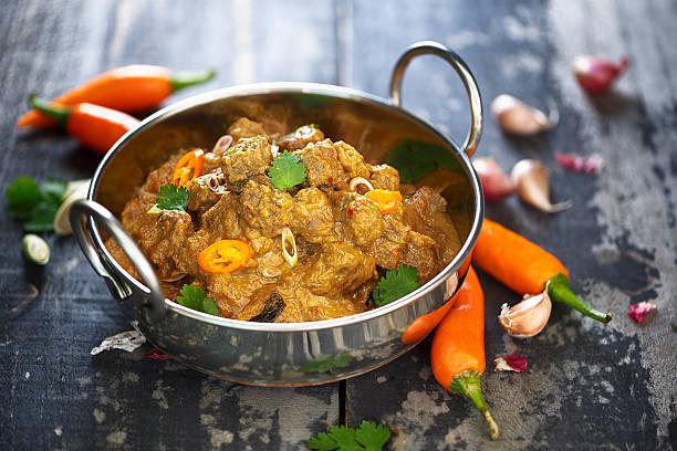 wołowiny rendang, indonezyjskiego żywności - kultura indonezyjska zdjęcia i obrazy z banku zdjęć