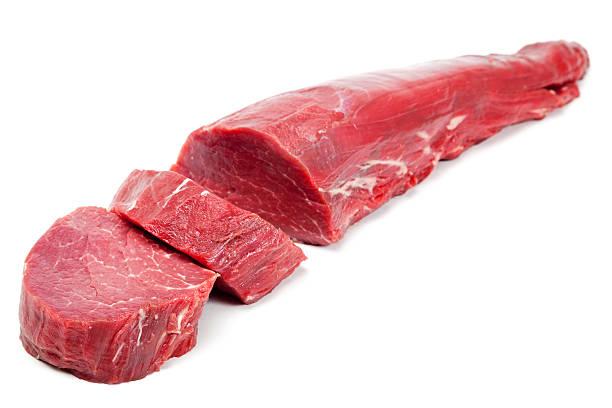 beef tenderloin steaks - ossenhaas stockfoto's en -beelden