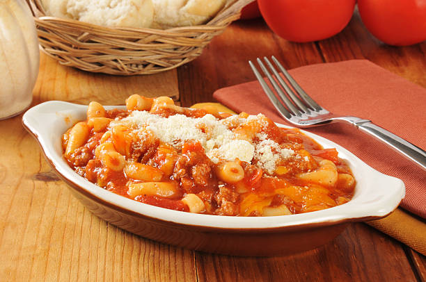 rindfleisch, tomate makkaroni - hamburger makkaroni stock-fotos und bilder