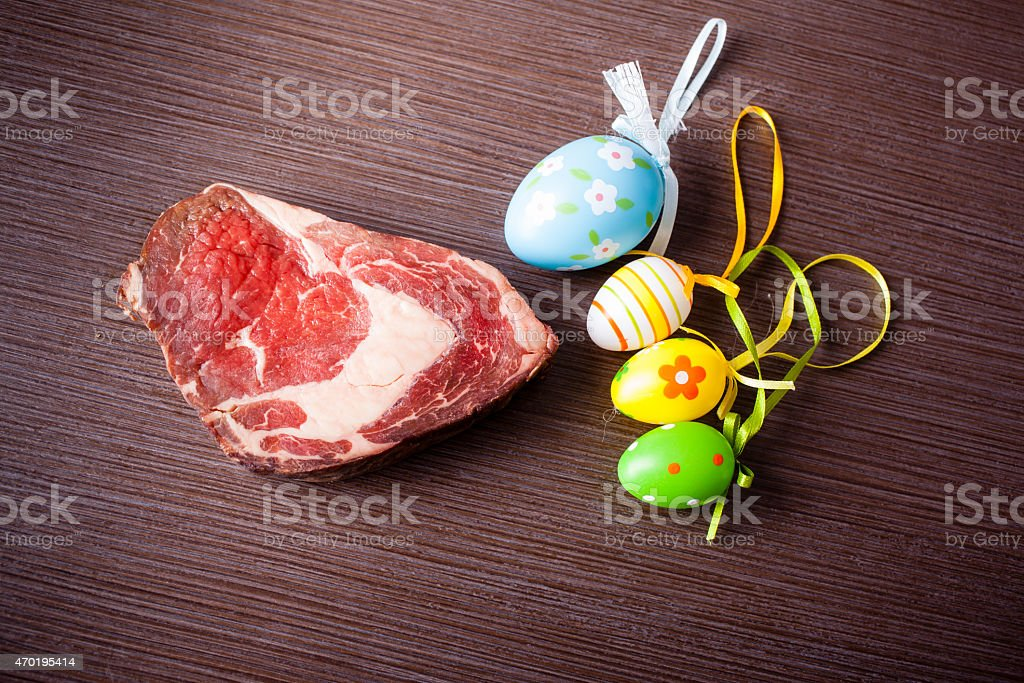 Rindfleisch mit Ostereiern – Foto