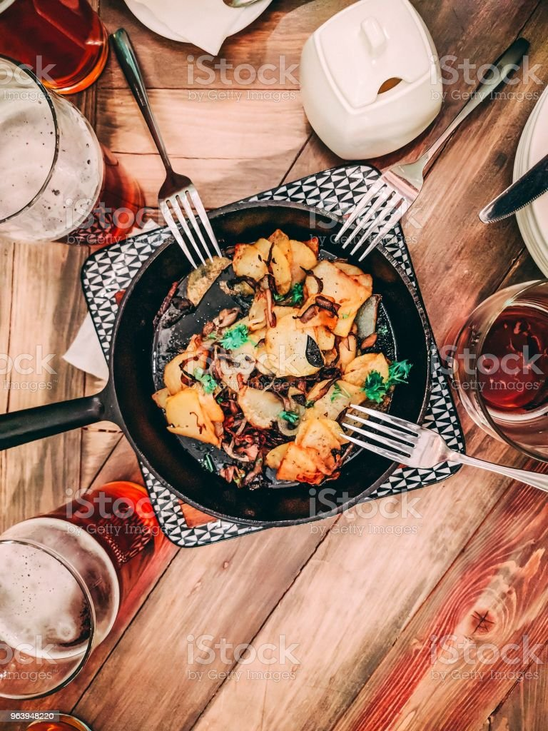 beer and Fried potatoes - Royalty-free Baked Stock Photo