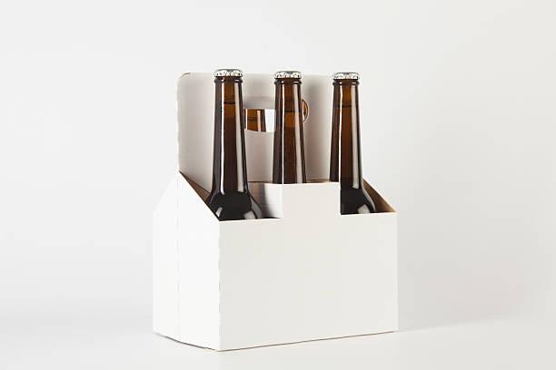 bouteilles de bière - pack de six photos et images de collection