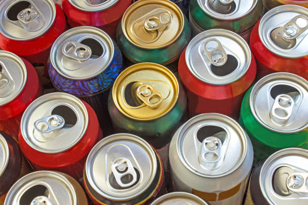 beer cans as background - alumínio imagens e fotografias de stock