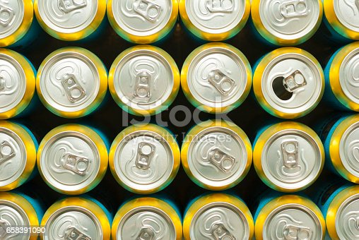 istock Beer cans 658391090