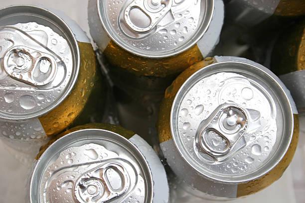 bier aus der dose - pfand stock-fotos und bilder