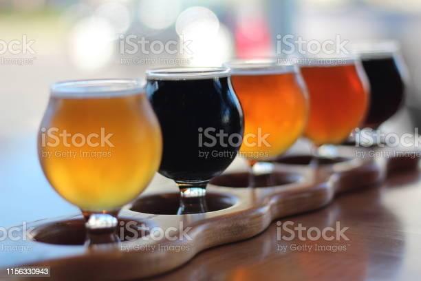 Beer Flight — стоковые фотографии и другие картинки Алкоголь - напиток