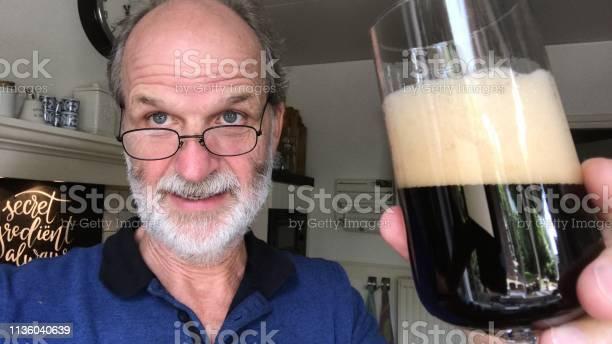 Beer moment picture id1136040639?b=1&k=6&m=1136040639&s=612x612&h=cfs7eooa4e5tw tnvjt7x zceewqh3drqxfy7oilvli=