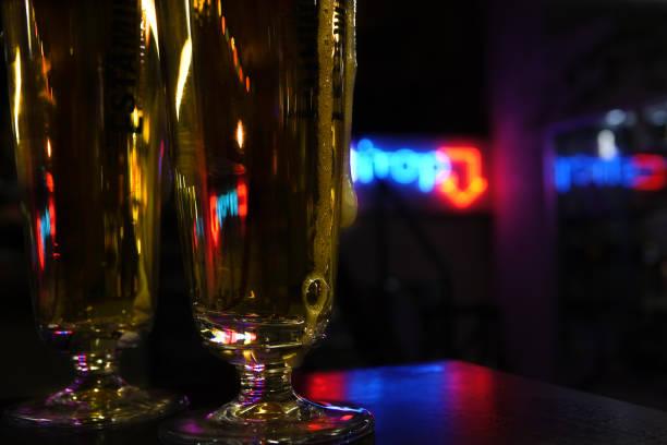 Beers with neon light - foto stock