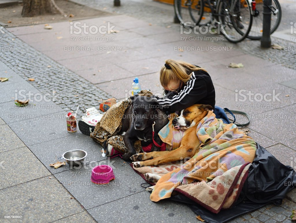 Beggar/Homeless on the streets of Berlin – Foto