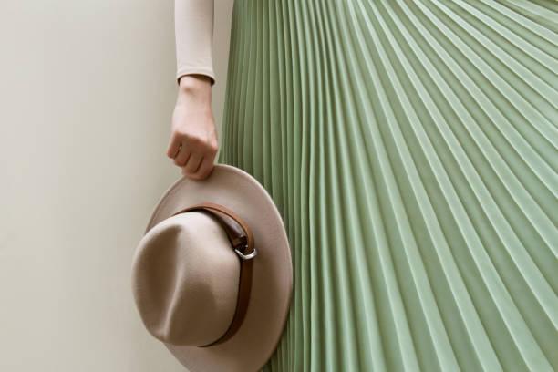 beige turquoise look - spódnica zdjęcia i obrazy z banku zdjęć