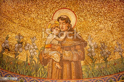 Belaggio - The mosaic of St. Anthony of Padus in church Chiesa di San Giacomo by Venetian school from end of 19. cent.