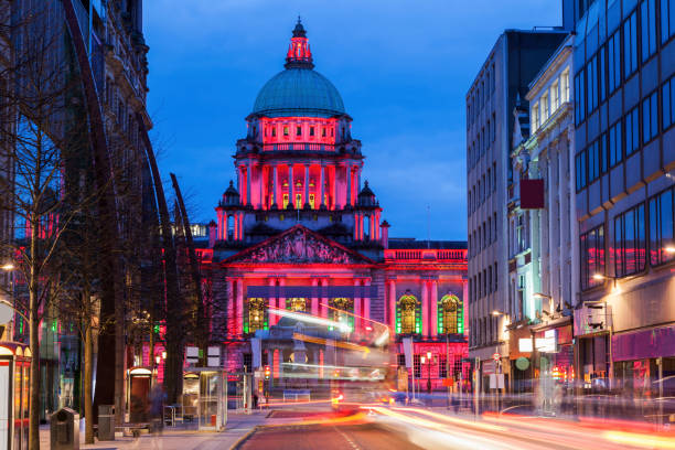 Belfast City Hall at evening - foto de stock