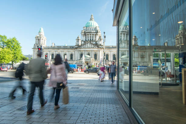 Calle Belfast y pasillo de ciudad - foto de stock