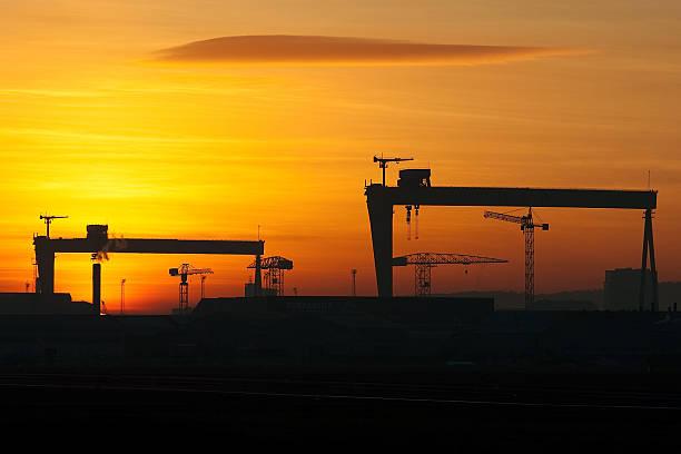 Belfast Shipyard Cranes - foto de stock