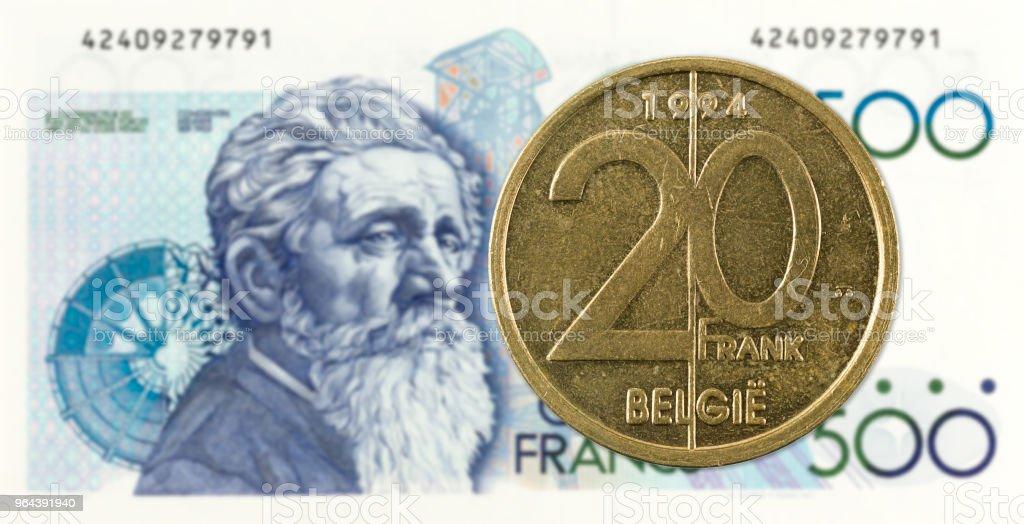 20 Belgische Frank-munt tegen biljet van 500 Belgische Frank - Royalty-free Bankieren Stockfoto
