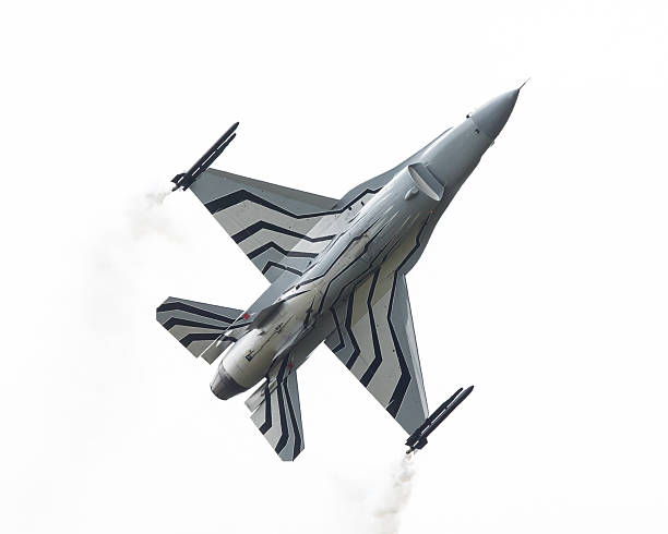 belgium - air force general dynamics f-16 am - airshow stock photos and pictures