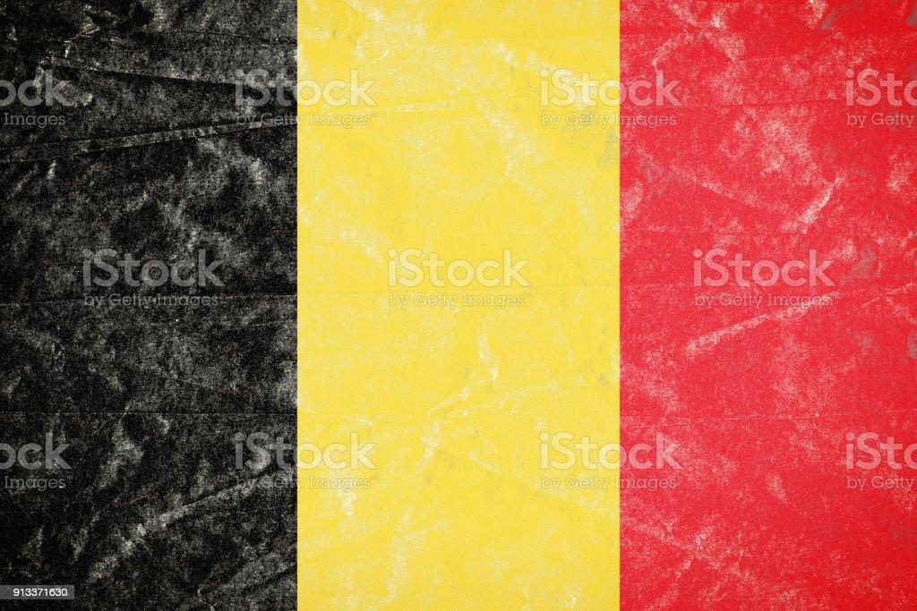 Bandera de Bélgica en Grunge desmenuzado arrugado papel afiche - foto de stock