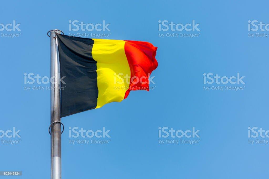 Bandera Nacional de Bélgica en el viento - foto de stock