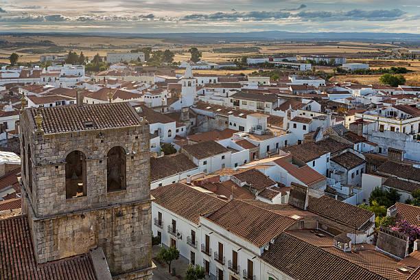 Bell Tower de Santa maría del Castillo en Olivenza - foto de stock