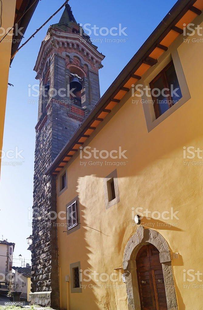 Tour de la cloche de la Pieve di San Lorenzo, Piantravigne, Toscane - Photo de Arezzo libre de droits