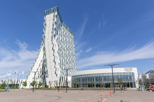 bella sky hotel und kongresszentrum in kopenhagen - hotels in kopenhagen stock-fotos und bilder