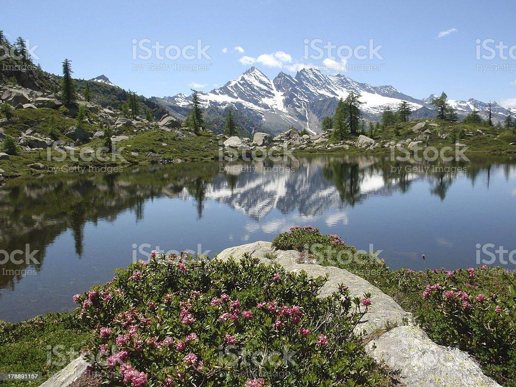 bellagarda lake stock photo