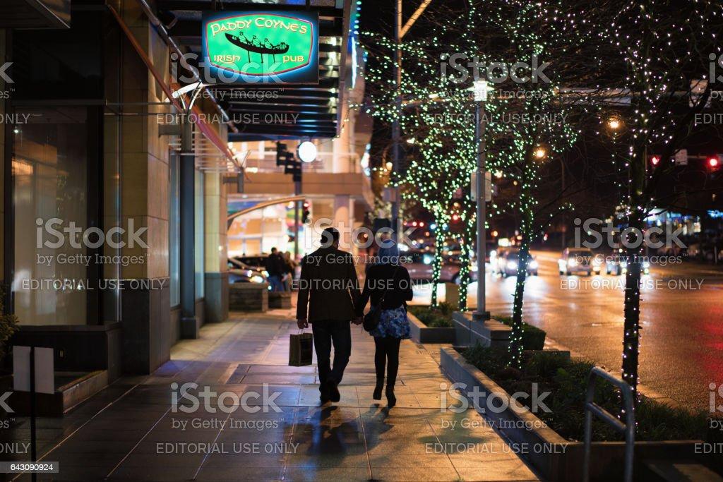 벨 뷰 다운 타운 밤 스톡 사진