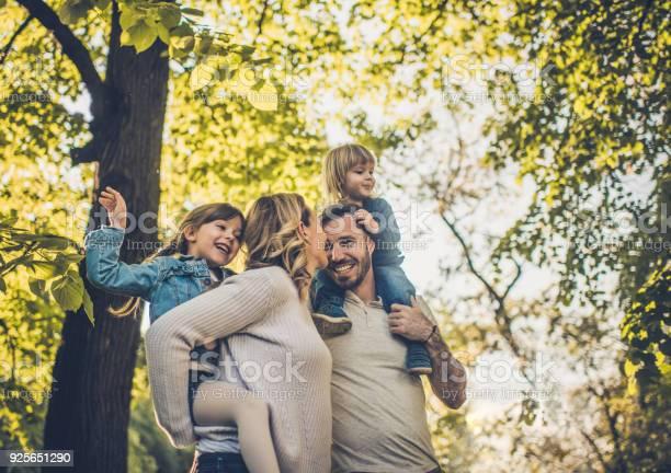 Below view of carefree family having fun in spring day picture id925651290?b=1&k=6&m=925651290&s=612x612&h=tbjlxhkrhcqsmvxdib7vczvwi7vayu3ldww5pz2lfki=