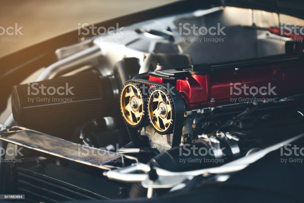 Gürtel-Motoren sind ein wesentlicher Bestandteil eines Rennwagens. – Foto