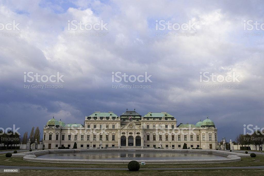 Belweder i chmury. zbiór zdjęć royalty-free