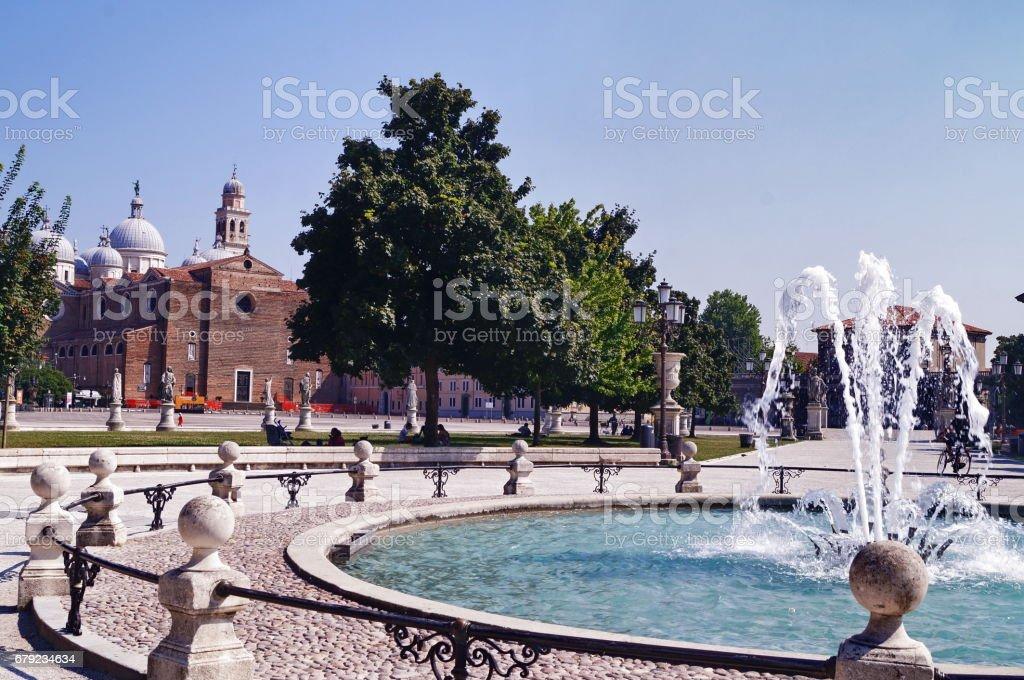 Bénédictine Abbaye de Saint Giustina de Padoue, la place Prato della Valle photo libre de droits