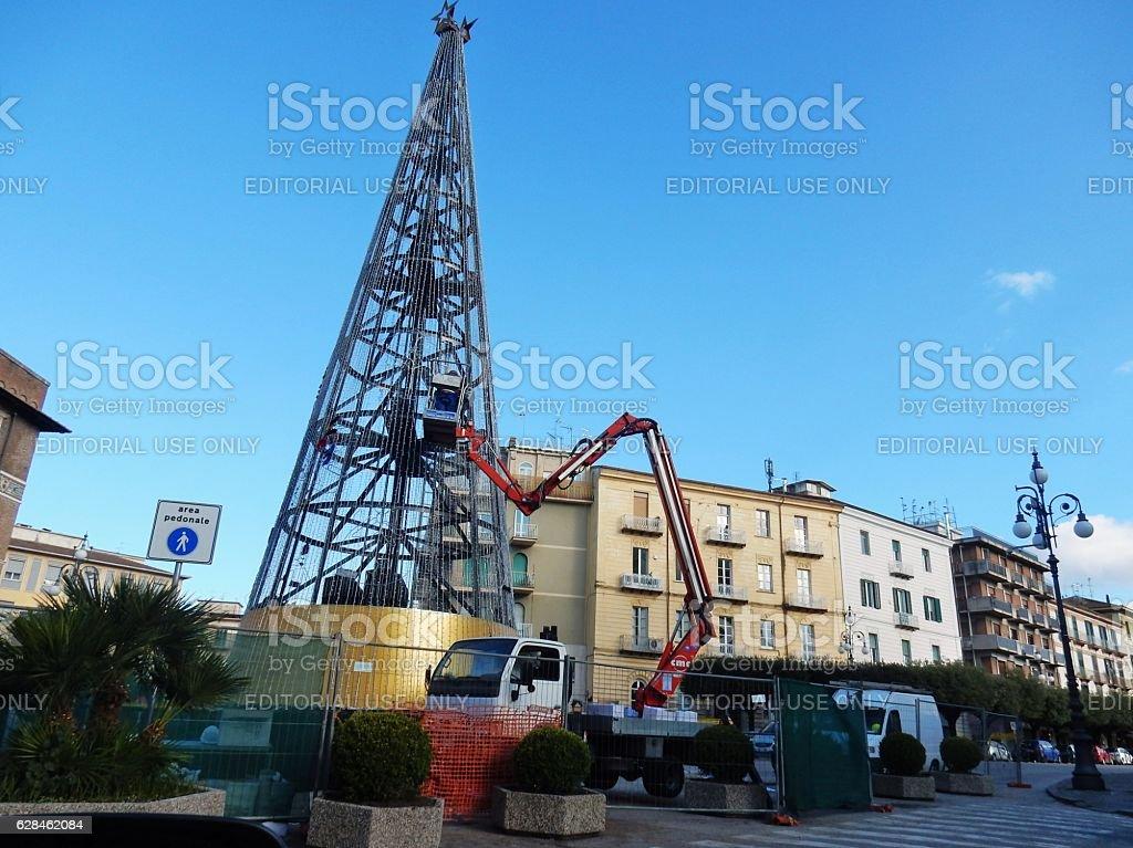 Benevento - Albero di Natale in costruzione stock photo