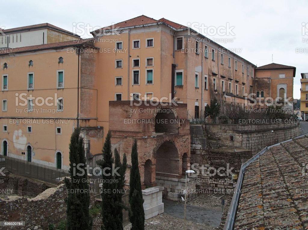 Benevento - Arco del Sacramento e Palazzo Arcivescovile - foto stock