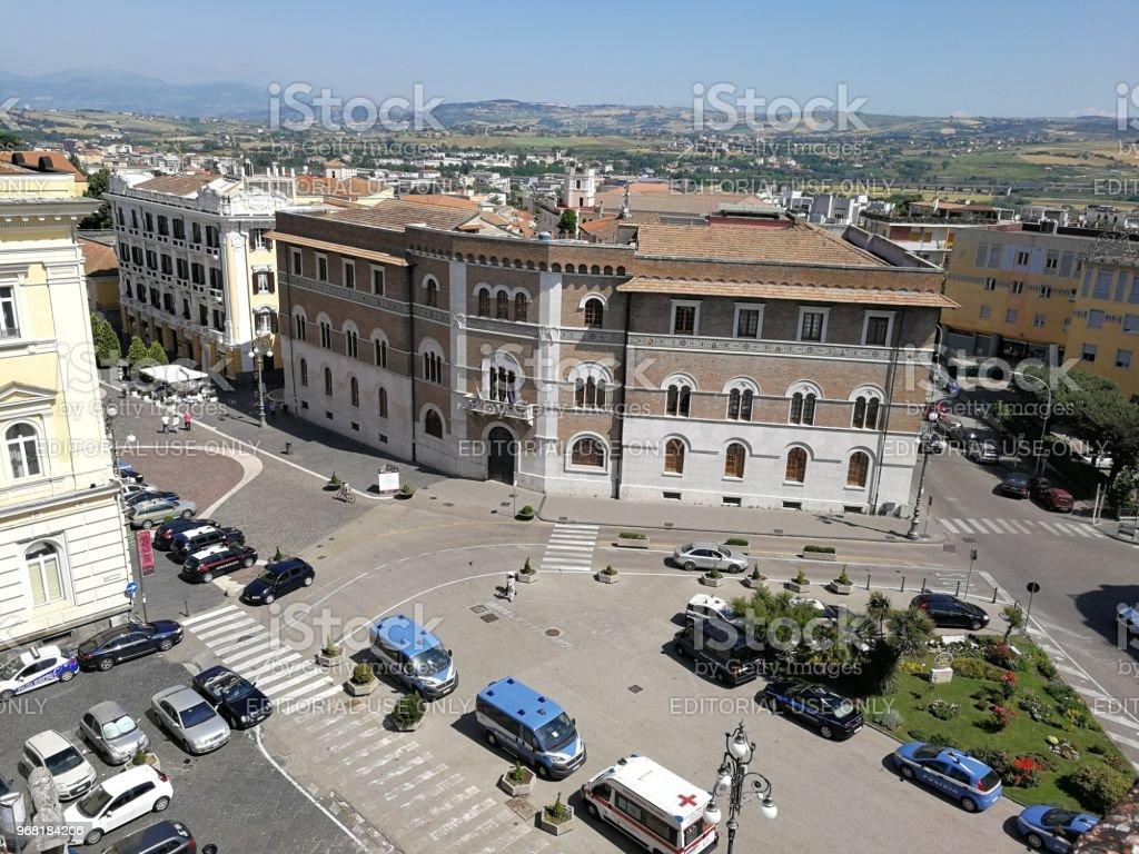 Benevento - Palazzo della Camera di Commercio dalla Rocca dei Rettori - foto stock