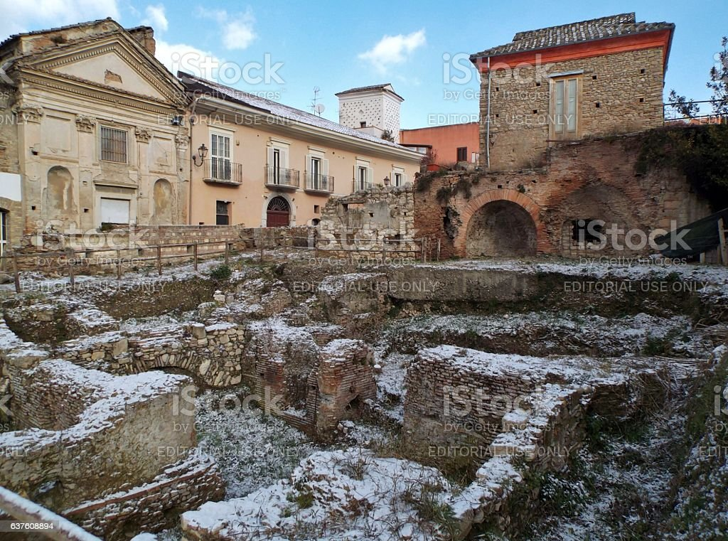 Benevento - Ruderi romani con la neve stock photo