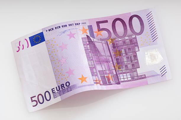 Verbogene Fivehundret Euro-banknote – Foto
