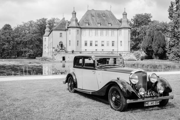 bentley 3.5 litre park ward sports saloon 1934 vintage voiture - 1934 photos et images de collection