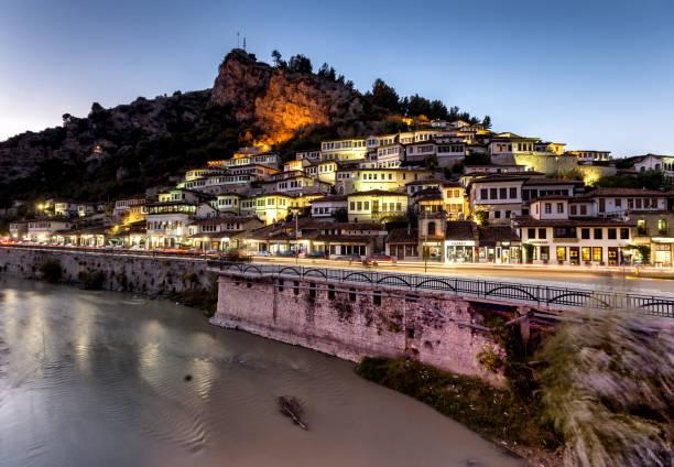 Berat, kleine Altstadt in Albanien – Foto