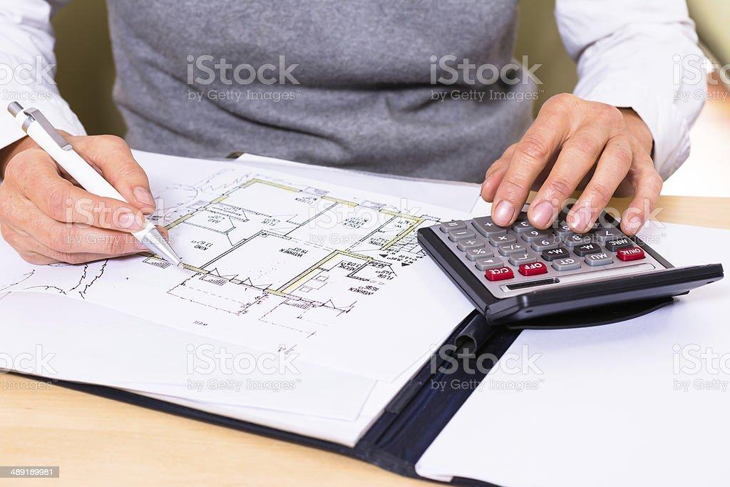 Berechnungen am Bauplan stock photo