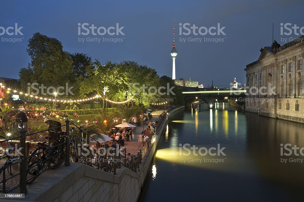 Berlin, Strandbar, Museumsinsel, Nacht stock photo
